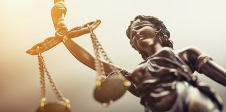 The statue of justice symbol, legal law concept image Stockfoto