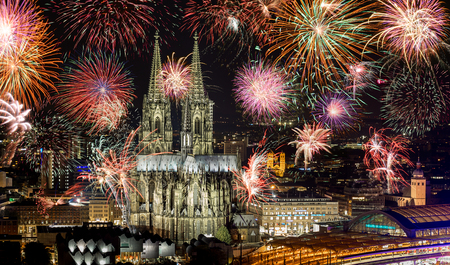 Fireworks at Cologne Cathedral (Kölner lichter), Cologne, Germany Stok Fotoğraf