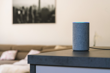 voice controlled speaker and personal assistant at home Banco de Imagens