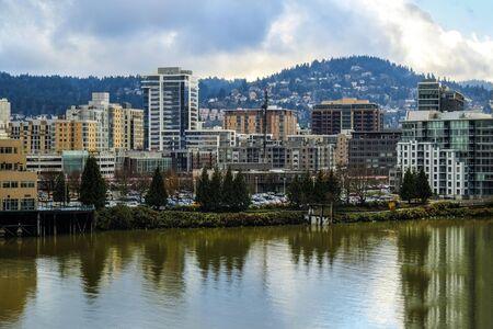 willamette: View of Portland, Oregon and Willamette River