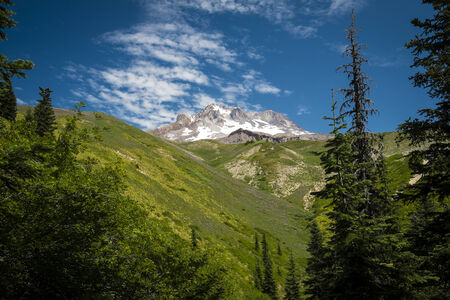 cascade range: Mt. hood, cascade range, under summer skies in Oregon Stock Photo
