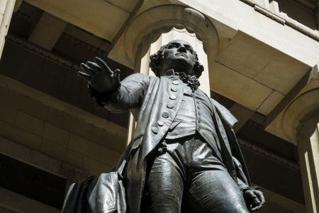 federal hall: Statue of George Washington outside Federal Hall, New York City