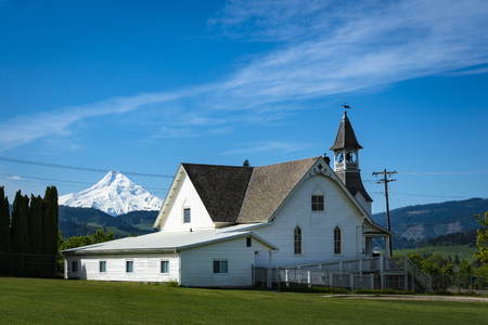cascade range: Old church in Hood River Valley, Oregon