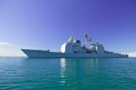 destroyer: Ticonderoga class guided missile cruiser at sea Stock Photo