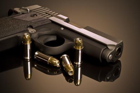 pistola: Arma de mano y Hollow Points