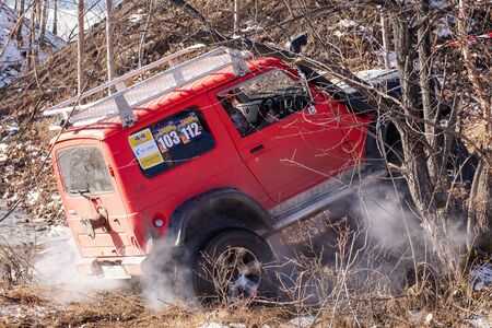 Jeep Suzuki Jimny overcomes obstacles in the forest