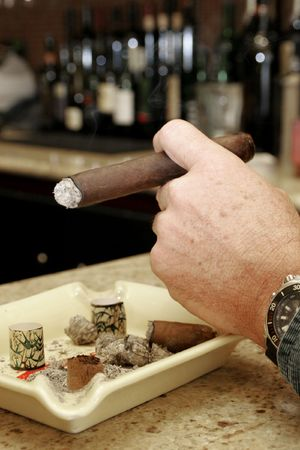 A cigar roller produces hundreds of smokes in a couple of hours, Havana, Cuba Stock Photo