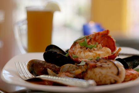 sautee: Aragosta e mitili pranzo
