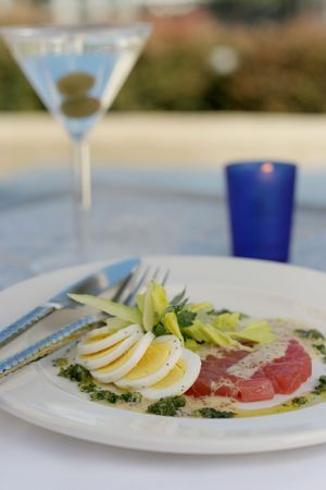 sautee: Bollito uovo sodo e tonno tartaro con sedano root