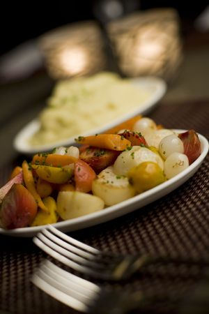 mashed potatoes: Mashed potatoes and mixed vegetable side dishes