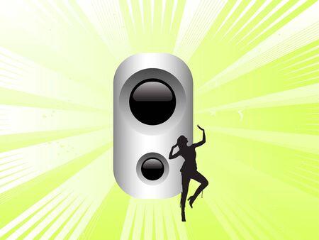vrouw dansen in de buurt van soundbox op sunburst achtergrond
