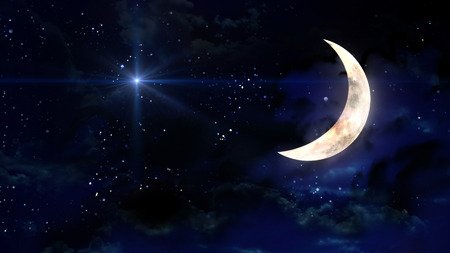noche y luna: estrellado estrellas con media luna en nubes