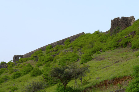 Bastion and wall of Malhargad fort, Sonori fort, Pune Stock Photo