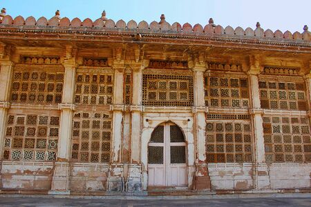 Carved stone grilles on the walls of the Tomb of Sufi Saint Shaikh Ahmed Khattu at Sarkhej Roza Stock Photo