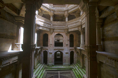 Inner view of Adalaj Ni Vav (Stepwell), or Rudabai Stepwell. Built in 1498 by Rana Veer Singh of the Vaghela dynasty of Dandai Desh, is intricately carved and is five stories deep. Ahmedabad, Gujarat, India Stock Photo