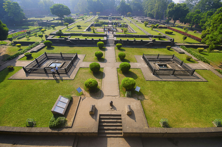 Shaniwar Wada, is a historical fortification, Built in 1732, it was the seat of the Peshwas of the Maratha Empire until 1818, when the Peshwas lost control to the British East India Company after the Third Anglo-Maratha War, following the rise of the Maratha Empire, the palace became the center of Indian politics in the 18th century, Pune, Maharashtra, India 免版税图像