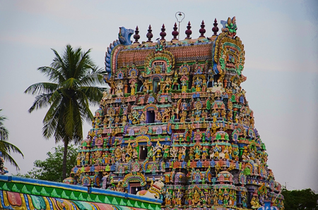 It is one among the three major shrines of Lord Vishnu. Renovated during the period of Nayaka Kingdom of 16th century. Sarangapani temple consists of only one holy tank known as Porthamarai Kulam. Stock Photo