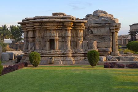Mahadev Temple is located at Itagi, Yalburga Taluk Koppal District of Karnataka. Its architects followed the architectural plan on which Amruteshwara temple at Annigeri was built. Standard-Bild