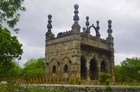 Carved Damadi Masjid, Ahmednagar, Maharashtra state of India. Reklamní fotografie