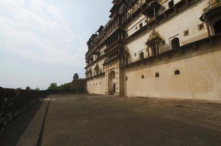 Außenansicht des Datia-Palastes. Auch bekannt als Bir Singh Palace oder Bir Singh Dev Palace. Daten. Madhya Pradesh