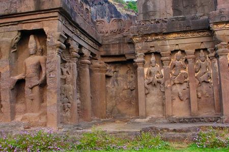Outer wall Cave 16, facade detail with Brahma in front and Karthikeya, Agni and Vayu at the back, Hindu Caves, Ellora, Aurangabad, Maharashtra Archivio Fotografico