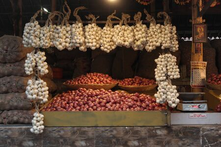 Onion for sale at Mahatma Phule Mandai in Pune, Maharashtra, India. Imagens