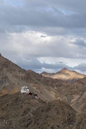 Namgyal Tsemo Monastery at Leh in Jammu and Kashmir, India. Imagens