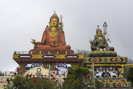 Guru Padmasambhava 135 feet statue at Samdruptse in Sikkim, India Imagens