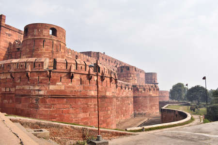 Side view of Agra Fort, 16th-century fortress of red sandstone located on the Yamuna River, Agra, Uttar Pradesh