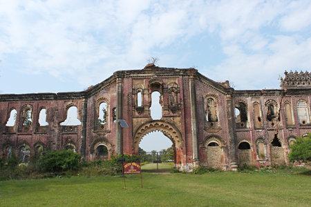 Damaged wall of Rajnagar palace complex Rajnagar, Bihar, india. Imagens