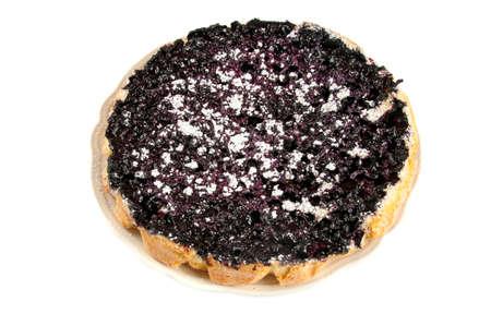 blueberry pie: tarta de ar�ndanos sobre un fondo blanco Foto de archivo