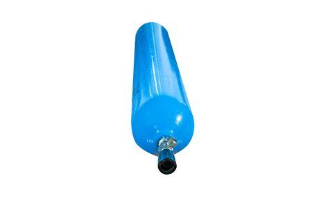 cilindro de gas: cilindro de gas azul sobre un fondo blanco Foto de archivo