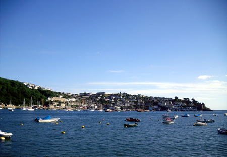cornwall: Boats at Looe Harbour in Cornwall