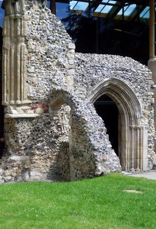 Ruined Arch Entrance Outside Norwich Cathedral Stock Photo - 76651227