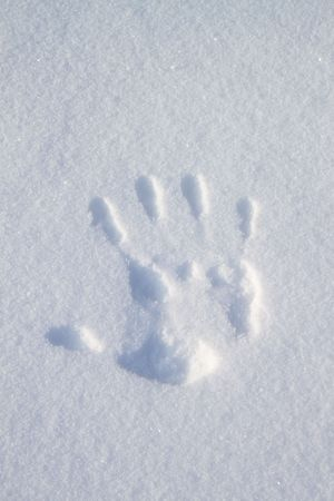 fluting: Imprint hands on the snow