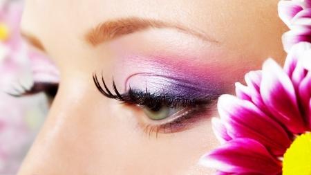 Güzel bir kadın göz Make-up