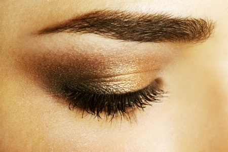 cejas: Belleza maquillaje ojo femenino close-up