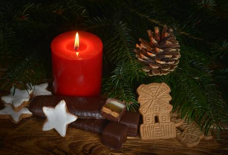 Candle with Weihnachtsgebäck Banco de Imagens