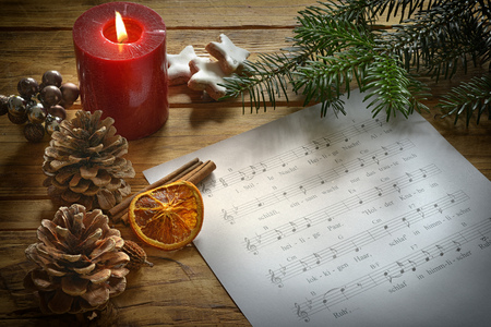 christmas candle with song text