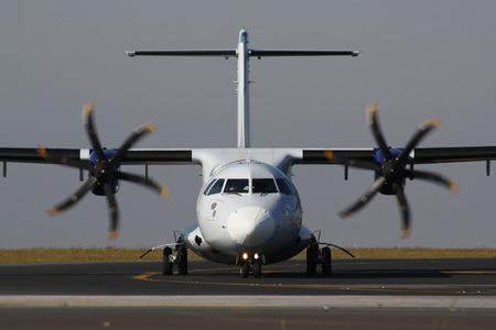 turbo prop plane photo