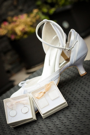 cuff: The wedding heels for bride and cuff in boxes collection