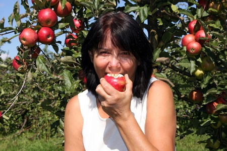 zest for life: Woman eating apple