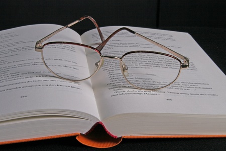 long sightedness: reading glasses