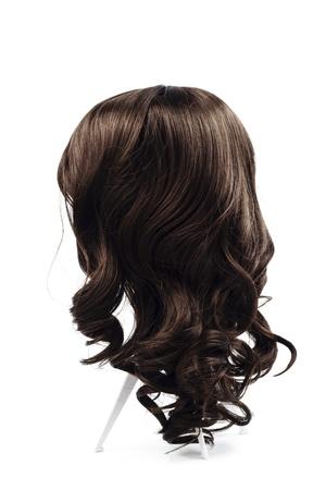 braunes Haar Perücke isoliert Standard-Bild