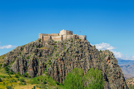 Kov castle is located in the village of G?m??hane - Turkey. In 1361, it is rumored that by III. Alexios, the castle is built at 130 meters. The altitude is 1760 meters. Its an ancient city around. Redakční