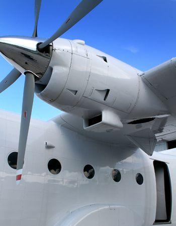 Pequeños aviones turbohélice de carga Foto de archivo - 4593833
