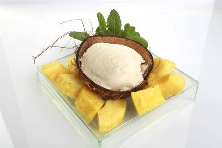 Home made coconut ice cream & pineapple 2 Zdjęcie Seryjne