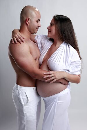30 years old: The love of a couple expecting a newborn