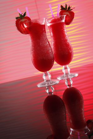 hart shaped: Strawberry Smoothies turn into Daiquiris tonight - wavy red Stock Photo