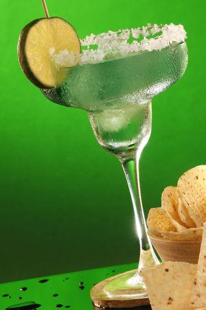 tortilla de maiz: Margarita y los chips de tortilla de ma�z, Andale! Foto de archivo
